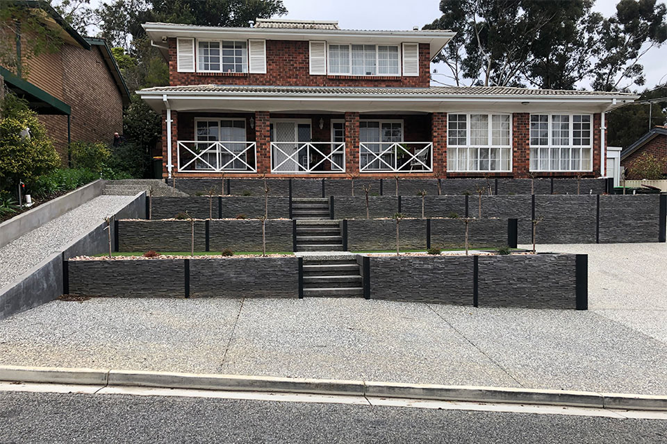 Retaining wall by Adelaide Exposed Concrete